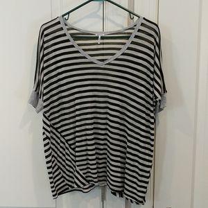 Splendid gray and black striped flowy t-shirt